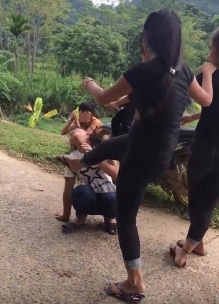 Vì sao ngày càng xuất hiện nhiều clip nữ sinh đánh nhau? - 1