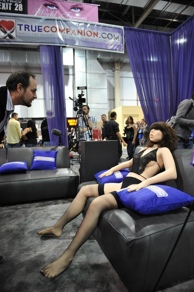 Lễ hội robot tình dục sắp được tổ chức ở Anh - 2
