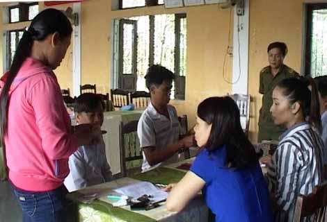 Huế: Những ngư dân đầu tiên nhận được tiền bồi thường từ Formosa - 1