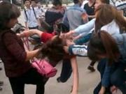 Tin tức trong ngày - Vì sao ngày càng xuất hiện nhiều clip nữ sinh đánh nhau?