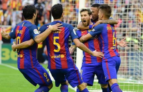 Barca: Messi ghi bàn thắng 3-2, Neymar hứng vật thể lạ - 2