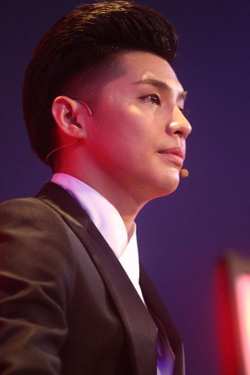 Noo Phước Thịnh rơi lệ khi học trò hát về lũ miền Trung - 2
