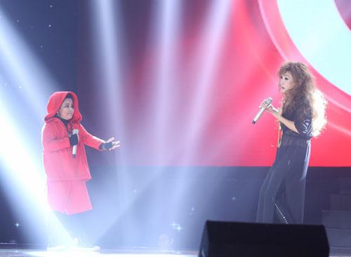 Noo Phước Thịnh rơi lệ khi học trò hát về lũ miền Trung - 4