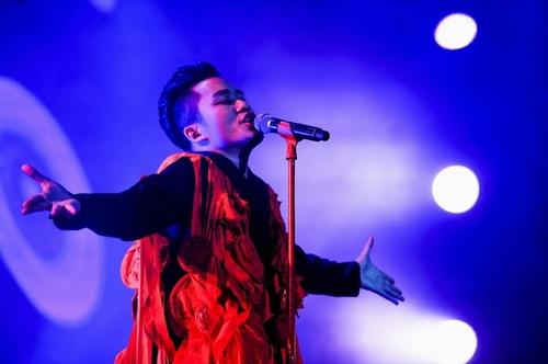 Anna Trương sexy quá đỗi trên sân khấu Hoàng thành Thăng Long - 4
