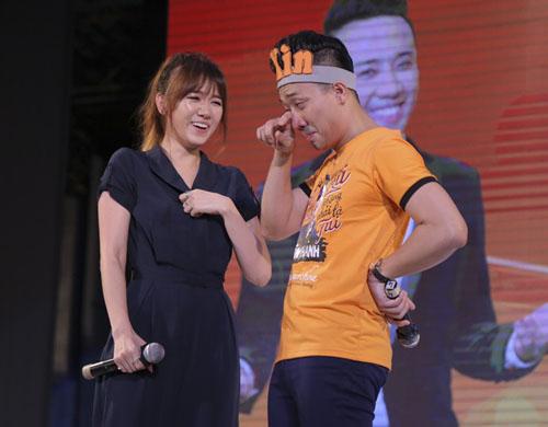 Trấn Thành bật khóc tỏ tình Hari Won trước hàng nghìn người - 2