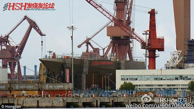 Lộ ảnh chiến hạm tàng hình lớn nhất TQ - 1