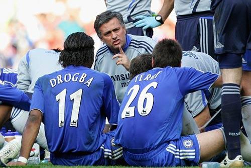 Mourinho gặp lại Chelsea: Hình bóng của người cha - 2