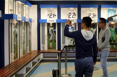 """Nhà vô địch FC Thành Đồng """"đột nhập"""" phòng thay đồ Real Madrid - 7"""