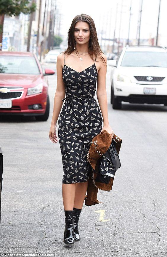 Khi giao mùa hãy mặc đồ như Kendall, Gigi hay Rihanna - 8