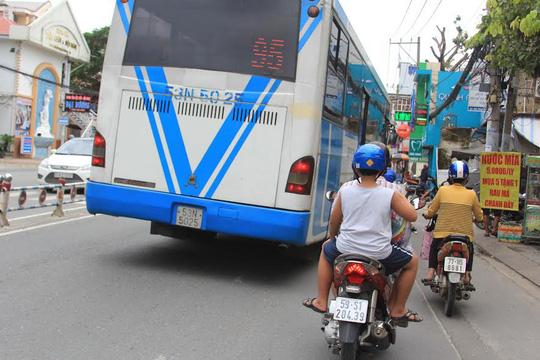 Phát khiếp với xe buýt! - 1