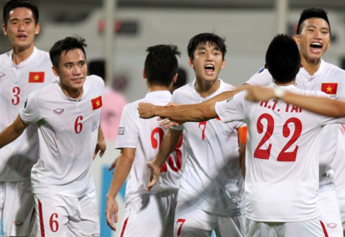 U19 Việt Nam dự World Cup, HLV Hoàng Anh Tuấn tri ân NHM - 1