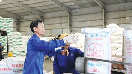 Không thu 5% VAT phân bón: Nông dân không được lợi, DN kêu thiệt hàng nghìn tỷ - 1