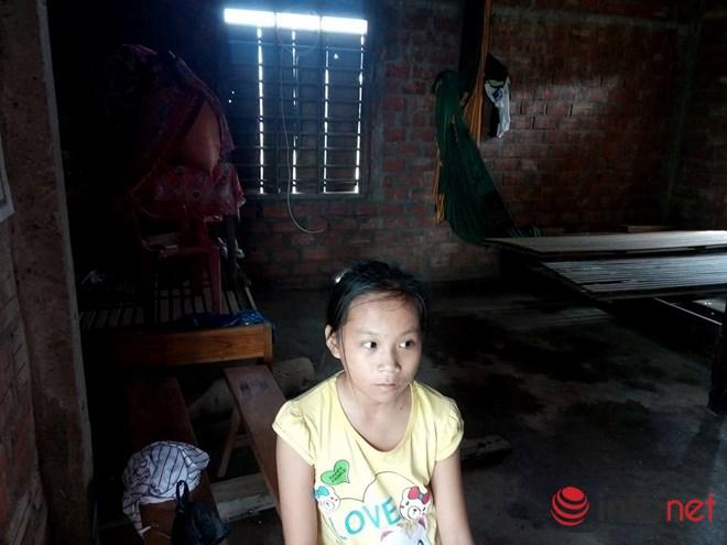 Quảng Bình: Hai anh em rau cháo nuôi nhau và ước mơ được tới trường - 1