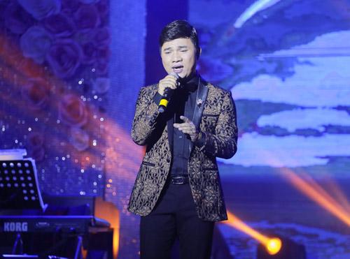 Mr Đàm bán đấu giá hàng hiệu trong show ủng hộ miền Trung - 8
