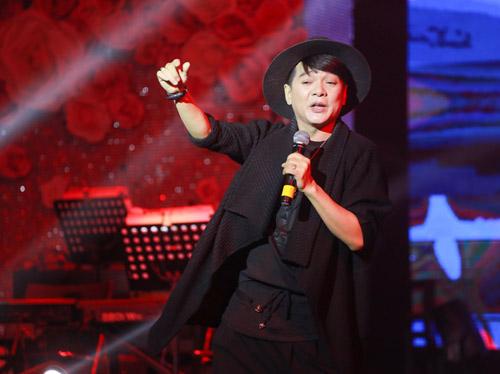 Mr Đàm bán đấu giá hàng hiệu trong show ủng hộ miền Trung - 9