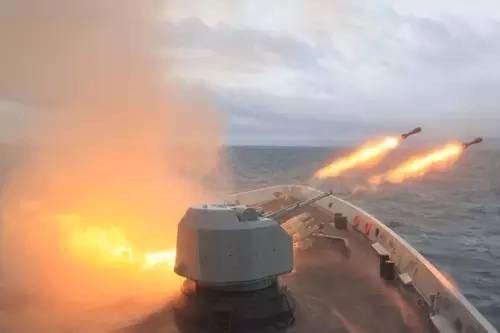 Mỹ tuần tra Biển Đông, Trung Quốc rầm rộ tập trận - 2