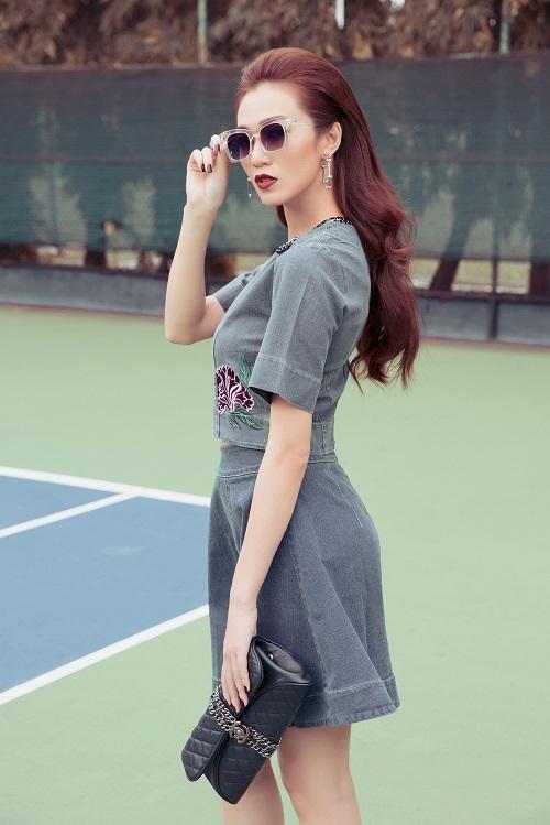 Khánh My táo bạo khoe áo ngực trên sân bóng tennis - 11