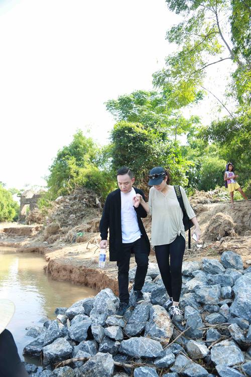 Thu Minh mang 700 triệu tiền quyên góp đến miền Trung - 8
