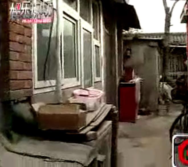 2 anh trai Lý Liên Kiệt: Người làm thuê, kẻ ở nhà hoang - 1