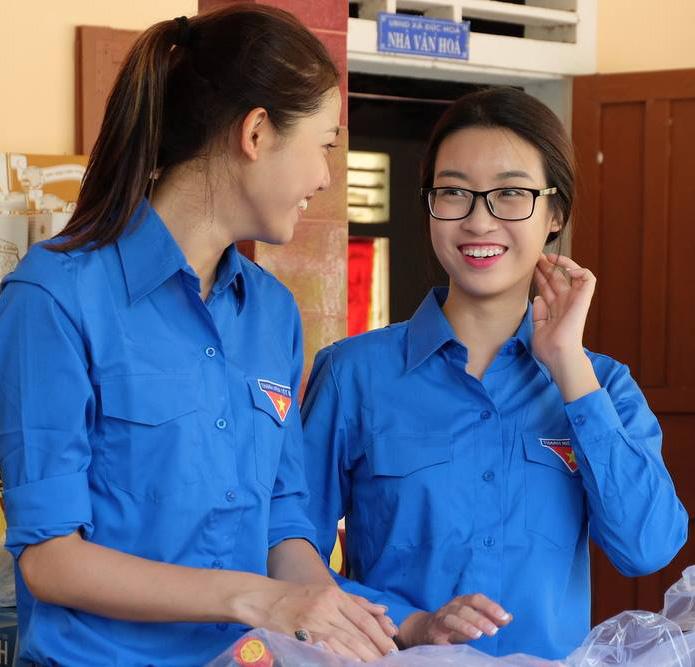 Lộ khuyết điểm bất ngờ trên cơ thể hoa - á hậu Việt - 1