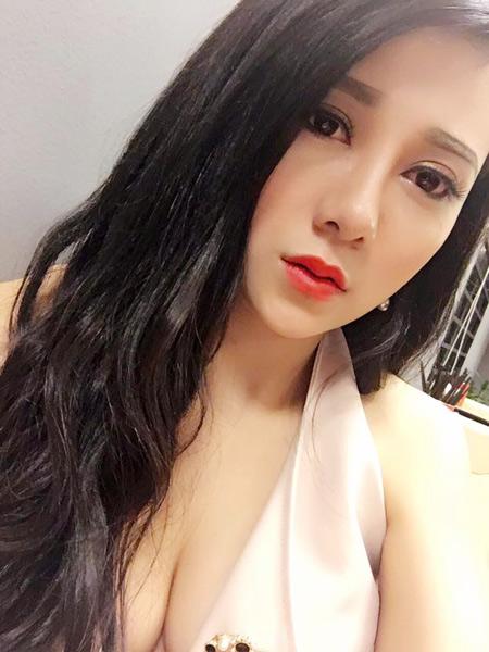 Nữ DJ 21 tuổi thành công nhờ phẫu thuật thẩm mỹ - 3