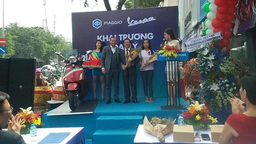 Piaggio Sang Trọng khai trương showroom mới tại quận Tân Phú TP.HCM - 3