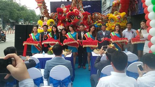Piaggio Sang Trọng khai trương showroom mới tại quận Tân Phú TP.HCM - 2
