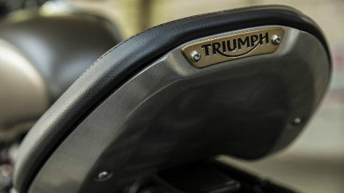 Triumph Bobber: Gã điển trai cuốn hút cánh mày râu - 13