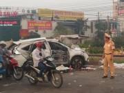 Tin tức trong ngày - HN: Tàu hỏa tông ô tô, 4 người chết, 3 người nguy kịch