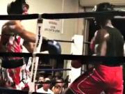 """Thể thao - Boxing: Đấm đối thủ """"ngất đứng"""", đổ như chuối"""