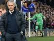 """Góc chiến thuật Chelsea - MU: """"Bức tượng"""" Mourinho"""