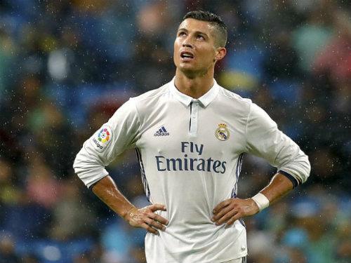 Đua QBV 2016: Ronaldo từ chắc ăn bỗng khó nhằn - 1