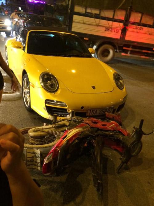 """Porsche 911 Carrera """"sứt đầu mẻ trán"""" trên phố Minh Khai - 2"""