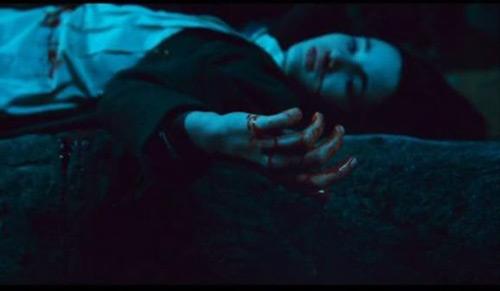 Bộ phim kinh dị được làm từ câu chuyện cổ tăm tối nhất - 4