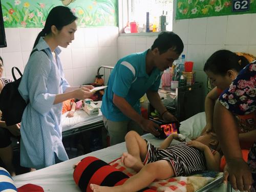 Hiền Thục chi trả viện phí cho 30 trẻ mắc bệnh hiểm nghèo - 1