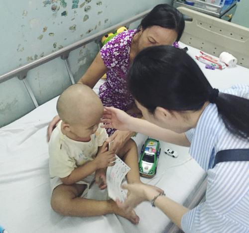 Hiền Thục chi trả viện phí cho 30 trẻ mắc bệnh hiểm nghèo - 2