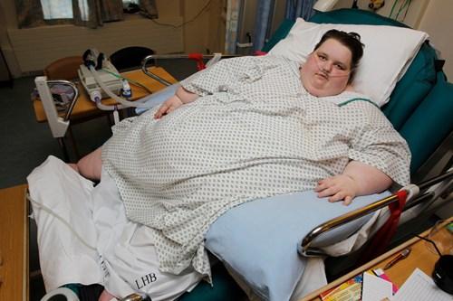 Thiếu nữ béo nhất nước Anh bị bạn trai bỏ vì giảm cân - 4