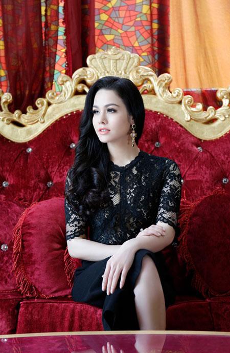 Mê mẩn ngắm 5 người đẹp Vũng Tàu hot nhất showbiz Việt - 10