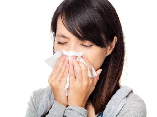 Đối phó với viêm mũi dị ứng khi chuyển mùa - 1