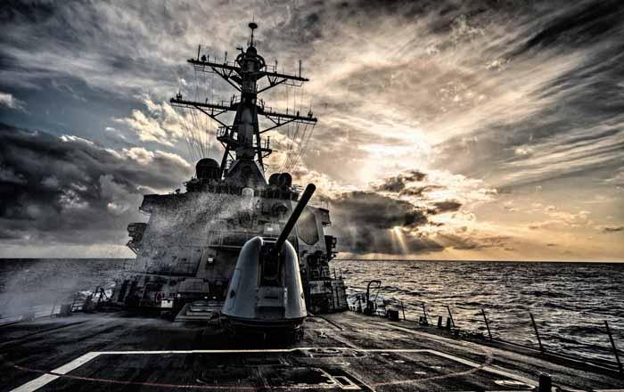 """Tàu chiến Mỹ vào Biển Đông: Cứu vãn chiến lược """"xoay trục"""" - 1"""