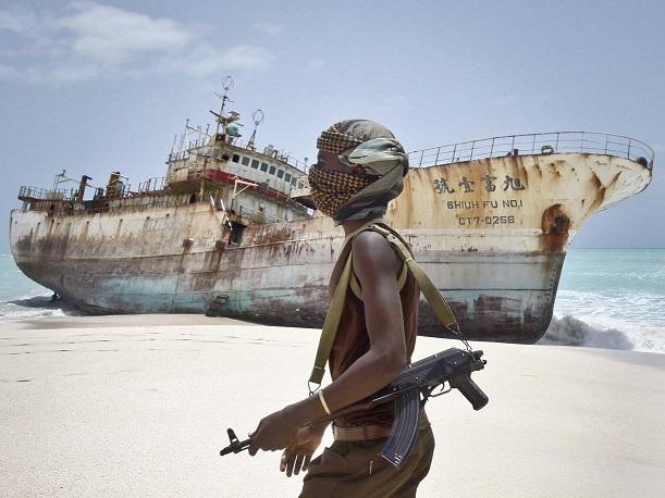 Cướp biển Somalia nguy hiểm thế nào - 1