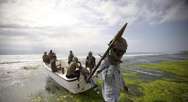 Cướp biển Somalia nguy hiểm thế nào - 7