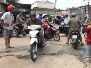 An ninh Xã hội - Người phụ nữ rượt đuổi, hạ gục tên cướp trên phố SG