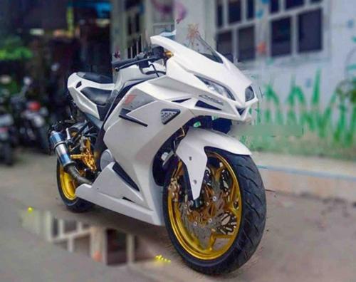 """Tròn mắt trước Sportbike """"hồn"""" Yamaha, """"xác"""" Honda - 4"""
