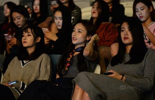 Cô gái Việt bỏ nghề Y, sang TQ làm người mẫu - 8