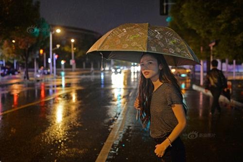 Cô gái Việt bỏ nghề Y, sang TQ làm người mẫu - 10