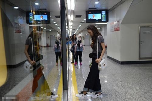 Cô gái Việt bỏ nghề Y, sang TQ làm người mẫu - 6