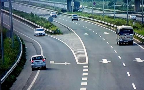 Thót tim xem ô tô đi ngược chiều trên cao tốc Nội Bài-Lào Cai - 1