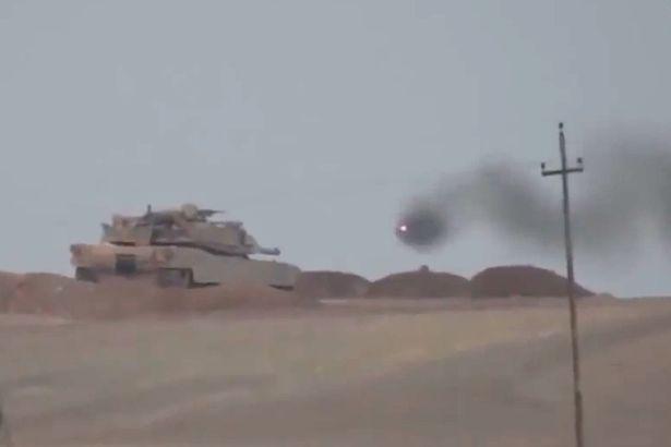 Trúng tên lửa Nga, xe tăng Mỹ sản xuất thành bó đuốc sống - 1