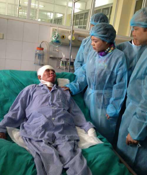 Chiến sĩ duy nhất còn sống sau vụ rơi máy bay ở Hòa Lạc sắp ra viện - 2